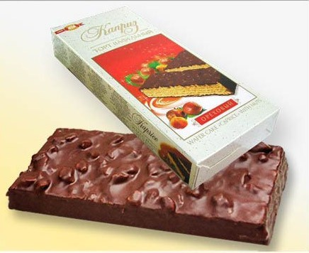 "Chocolate-waffle cake ""Kaprise"" with nuts"